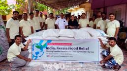 홍수피해를 당한 인도 코치 케랄라주 이재민들을 돕기 위해 콩 1kg과 설탕 2kg, 식료품 200상자 지원한 국제위러브유운동본부