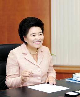 Chủ tịch danh dự Quỹ WeLoveU Quốc tế / Zahng Gil Jah