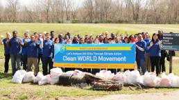 3월 17일 국제위러브유운동본부 미국 동부지역 회원 30여 명이 일찍부터 노스캐롤라이나주 샬럿의 맥알파인 크리크 공원에 모여 식품 포장지, 플라스틱병, 전신주 등 갖가지 폐기물을 모아 가득 채운 쓰레기 봉투 30개.
