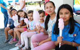 국제WeLoveU 제159회 전 세계 헌혈하나둘운동에 미래의 헌혈 가능자인 어린이들도 함께 행사에 참여하여 솔트레이크시티 헌혈센터에서 제공된 간식을 즐겁게 먹고 있다.