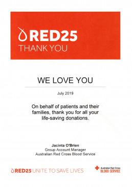 2019년 7월, 국제위러브유가 호주적십자사 혈액원 회계그룹관리자에게 생명을 살리는 헌혈 봉사로 받은 감사장 사진.