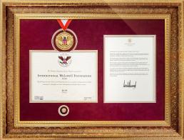 2019년 8월 13일, 미국 트럼프 대통령이 국제위러브유에게 헌혈하나둘운동을 시행하여 지역사회와 미국을 위해 봉사하는 지속적인 헌신에 감사하는 마음을 담아 대통령 표창장 금상을 수여함.