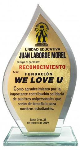 2019년 2월 28일, 후안 라보르데 모렐 유아초등중등 교육기관이 국제위러브유에 책상 및 의자 기부를 통한 연대활동을 펼쳐 감사패를 수여.