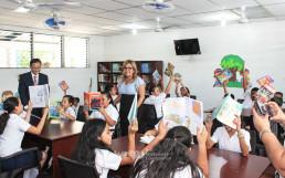 Chairwoman Zahng Gil-jah of the Intl. WeLoveU Foundation newly established a library in Asunción Amatepe Primary School through the WeLoveU branch in San Salvador, El Salvador.