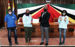 On June 1, 2020, the Intl. WeLoveU Foundation, established by Chairwoman Zahng Gil-jah, received an honorary certificate from the Ministry of Education in Sofala.
